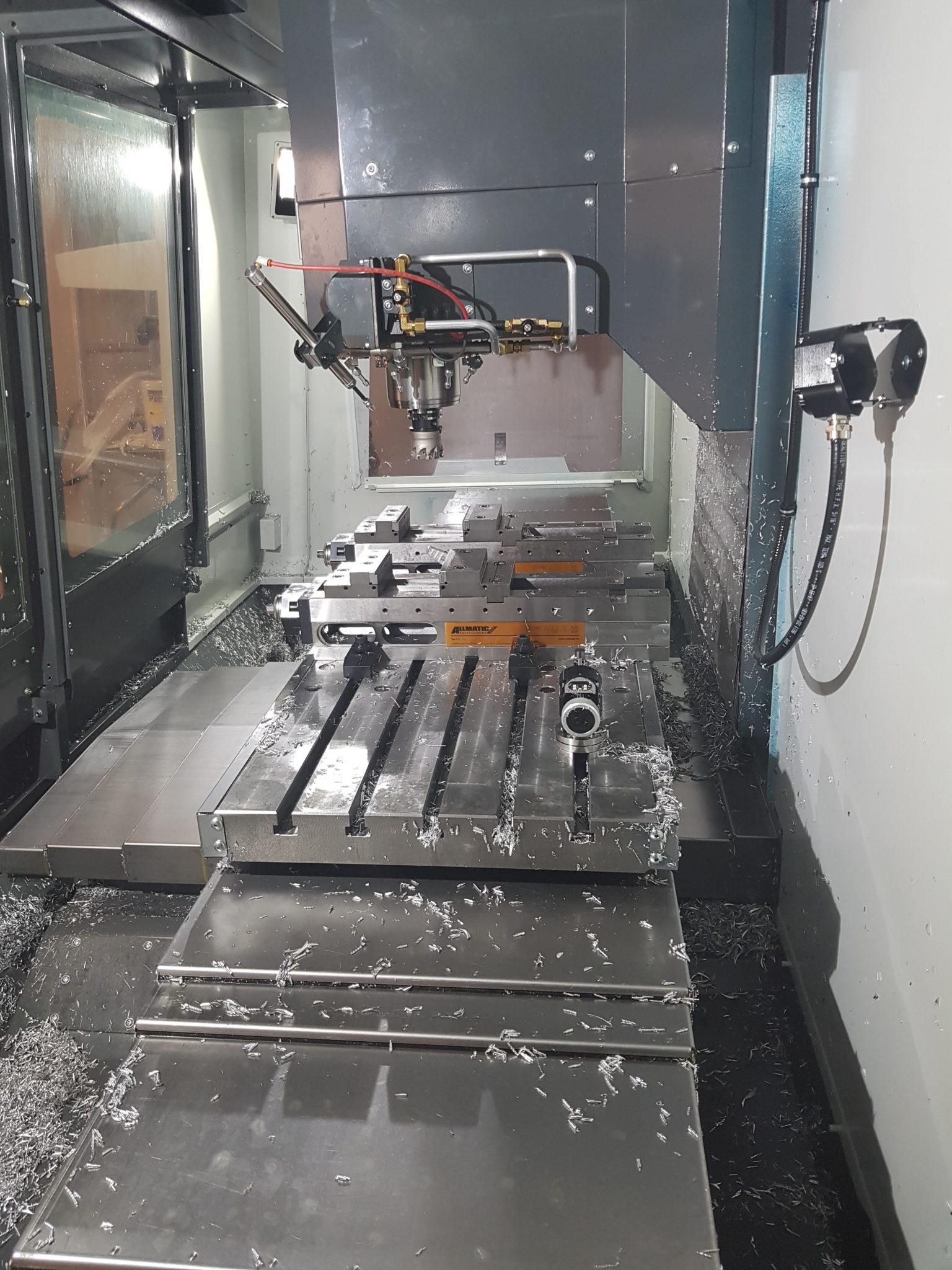 CNC Fräse Innenraum in Seitenansicht